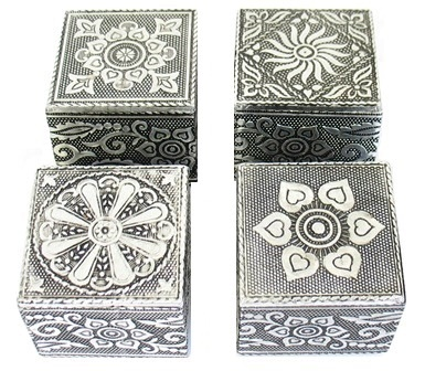 Metal Embossed Small Box